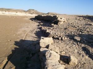 Restos de acequia en Cauvaca