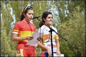Ana Samper y Ariadna Nevado, leyendo el manifiesto el pasado domingo